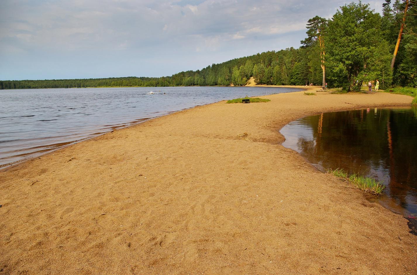 Озерный песок